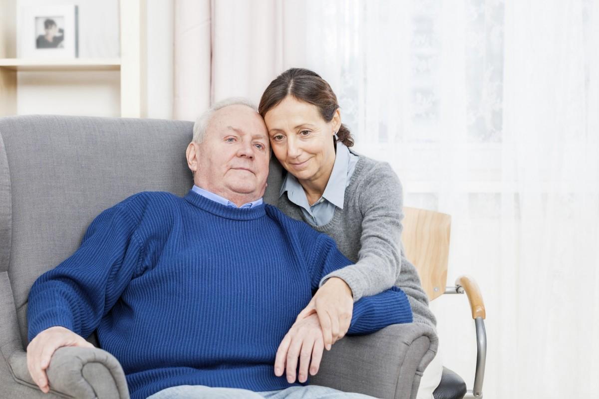 Quelles solutions pour vivre à domicile avec la maladie d'Alzheimer ?