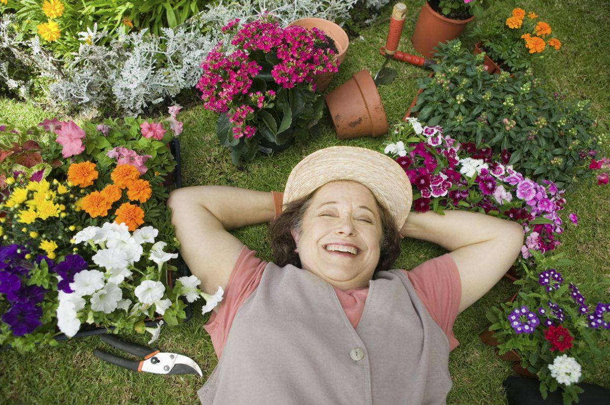 Les bienfaits des activités manuelles pour les seniors et les personnes handicapées